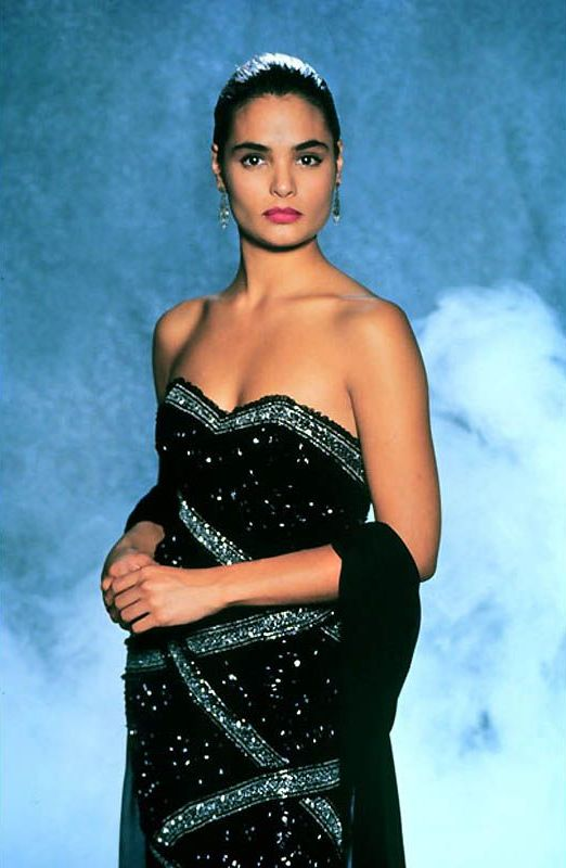 Talisa Soto as Lupe Lamora in Licence to Kill: