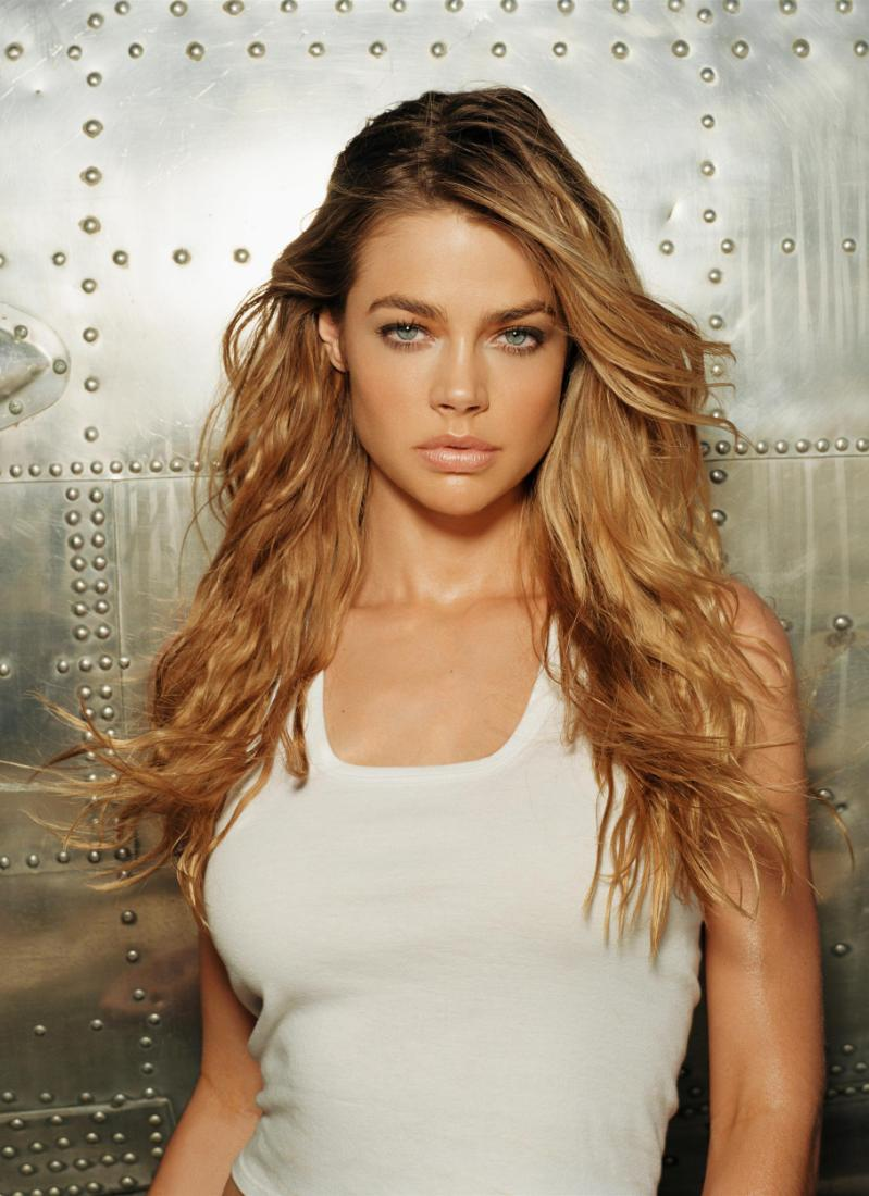 Denise richards the world is not enough 2