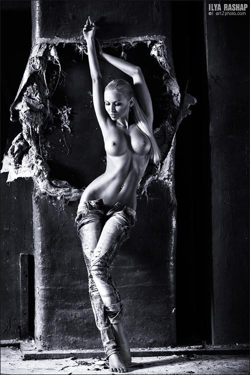 эротическое фото в стиле ню