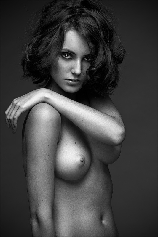 beautiful naked women black and white photos