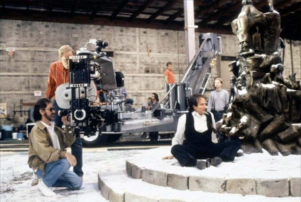 spielberg_robin-williams_hook_1991