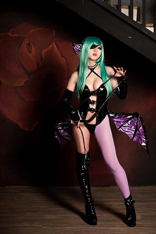 morrigan-aensland-darkstalkers-capcom-nsfw-cosplay-49