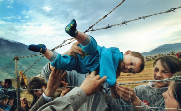 Kosovo Refugees (2000)