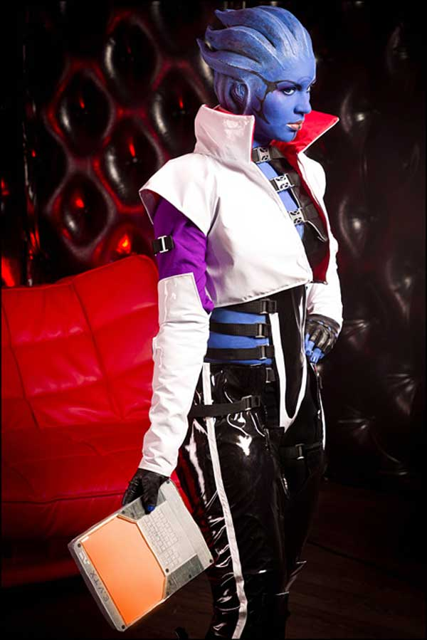 Mass-Effect-2-cosplay