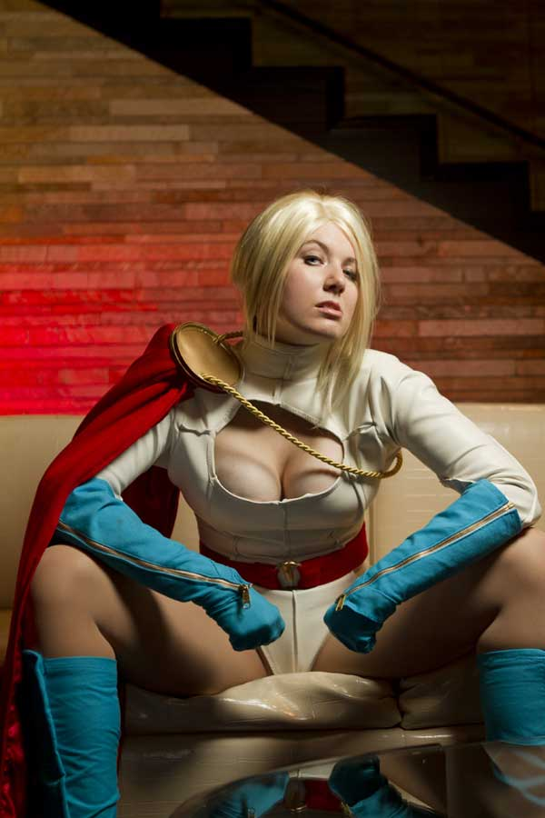 powergirl-cosplay-01