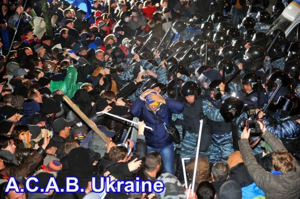 UKRAINE-EU-RUSSIA-POLITICS-DEMO-POLICE