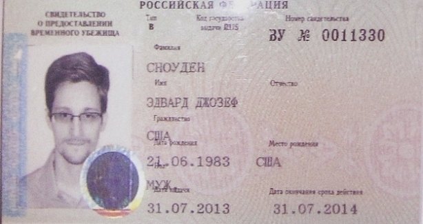 snowden-russian-refugee-document