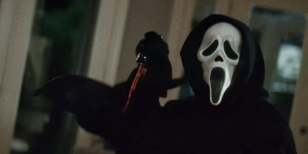 Ghostface-in-Wes-Cravens-Scream